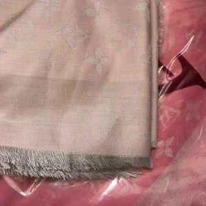 Louis Vuitton Monogram shine shawl / scarf